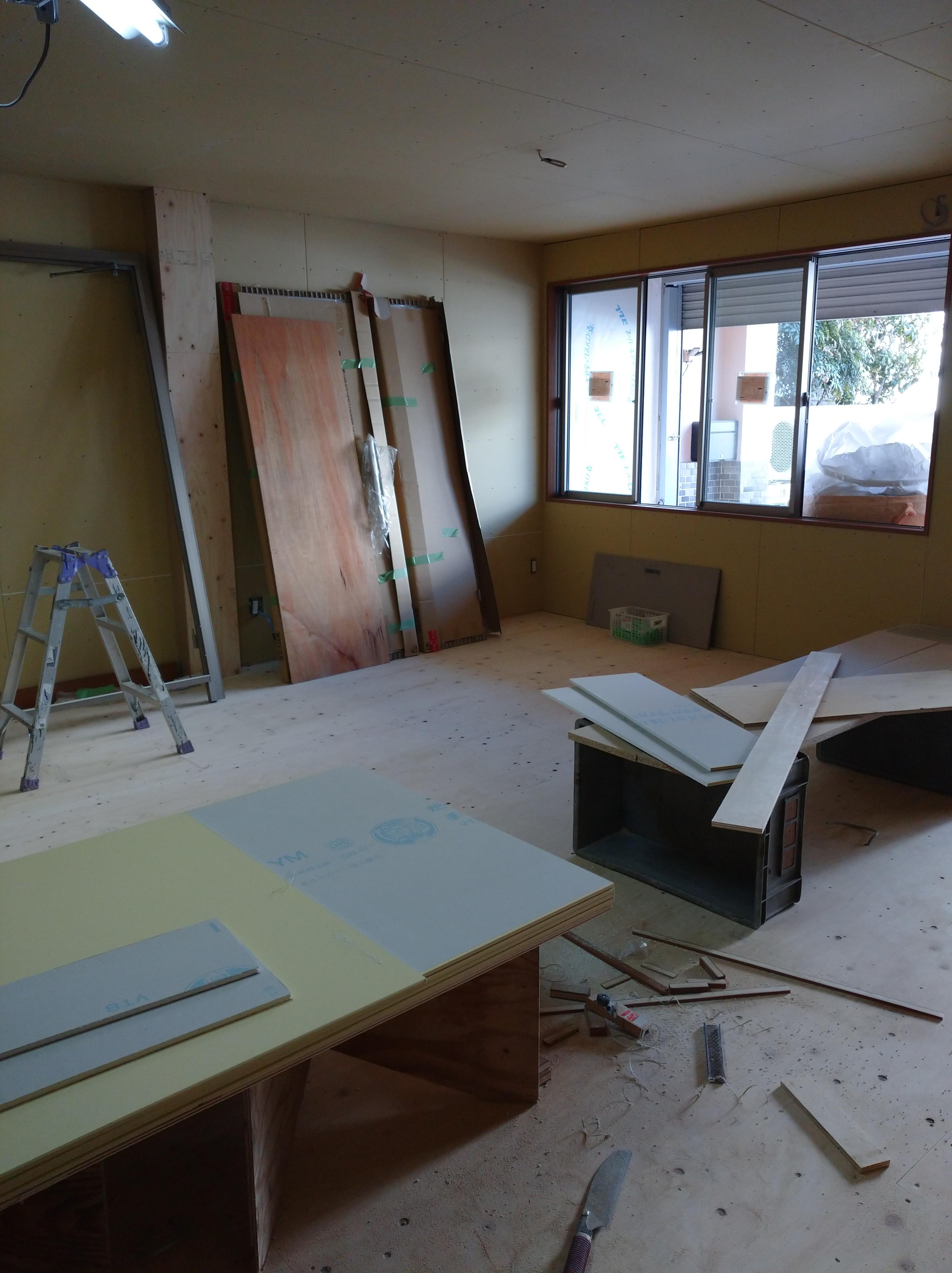 新しいレッスン室を作っています。画像